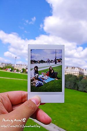 [巴黎]2011.7.24 歐洲人,就要躺在草皮上野餐