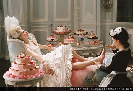 Marie-Antoinette-kirsten-dunst-96165_1000_685 拷貝.jpg