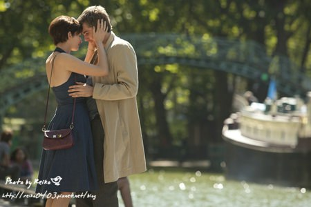 -One-Day-Production-Stills-one-day-2011-movie-24261389-2000-1333.jpg